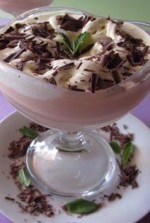 Mousse de Albaricoque con helado de Vainilla