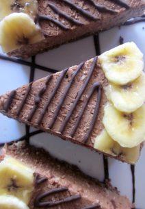 Tarta de Queso y Chocolate con plátano y coco.