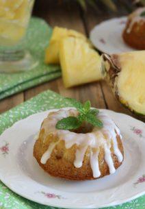 Piña Colada Mini Cakes