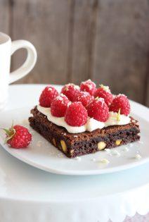 Brownie con Pistachos,Mascarpone y Frambuesas