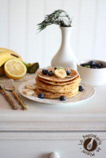 Ricotta Pancakes de Limón, Plátano y Arándanos