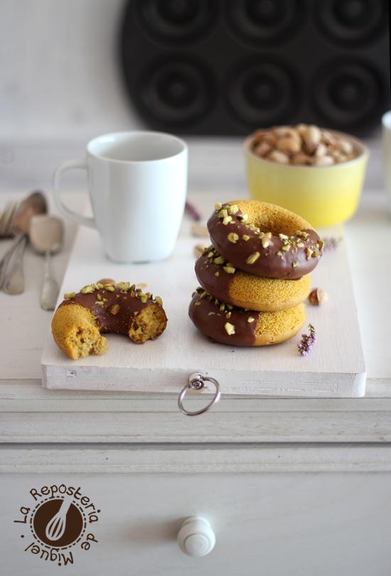 Donuts de Calabaza y Chocolate de Caramelo