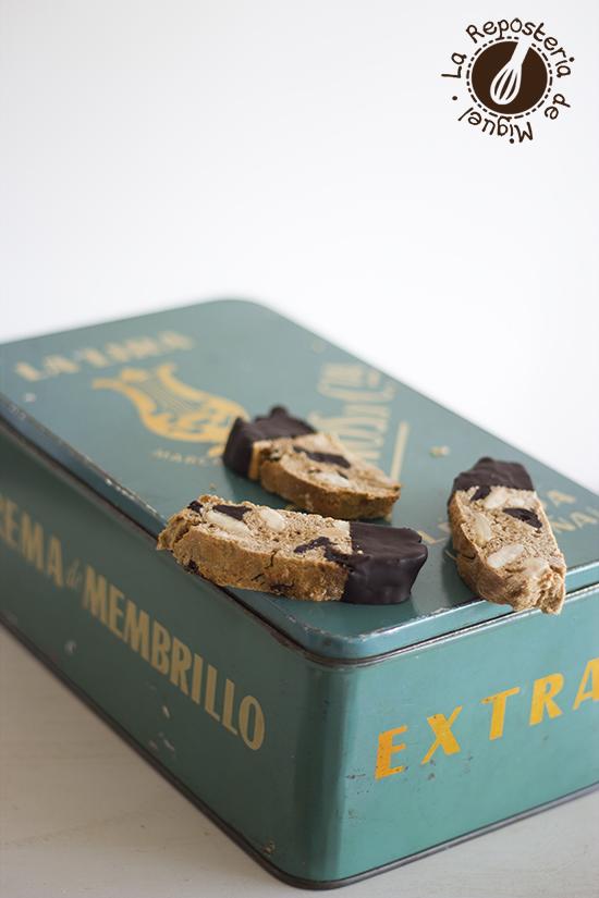 Biscotti de Harina de Castaña, Almendras y Chocolate