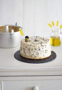 Angel Food Cake de Aceitunas y Aceite de Oliva