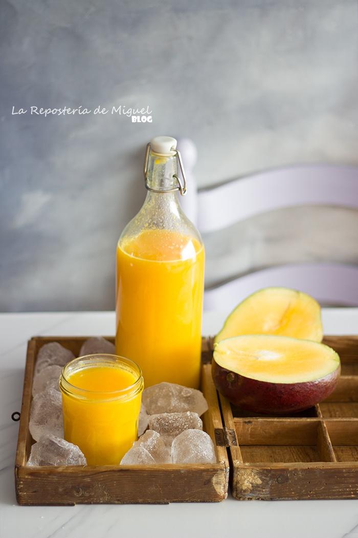 Smoothie Detox de Mango, Naranja, y Jengibre