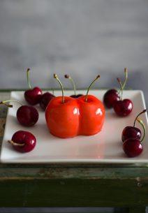 Mousse de Cereza con Glaseado Espejo