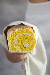 Pan de leche de Cúrcuma y Curry