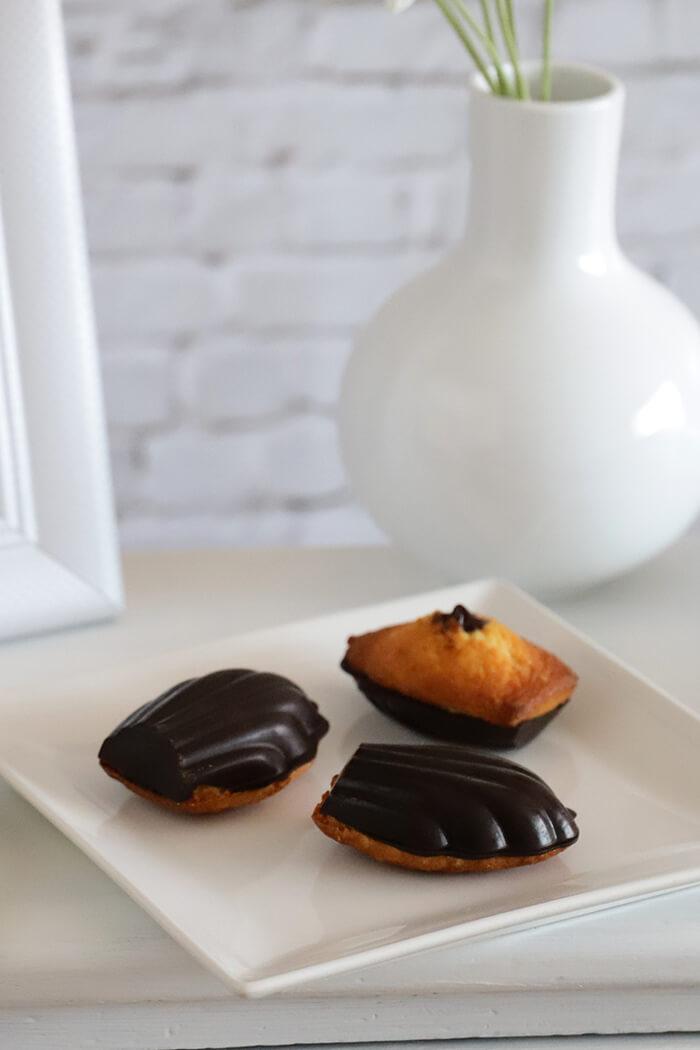 Madeleines de avellana y chocolate intenso